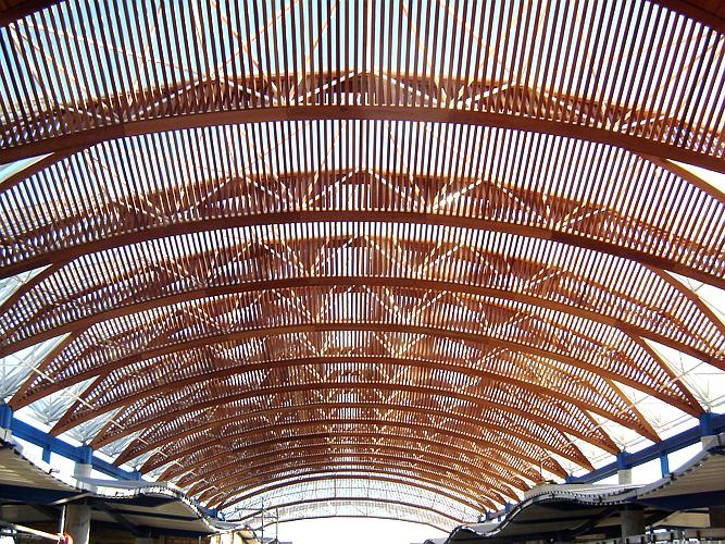 Cubierta de madera estación de San Fernando